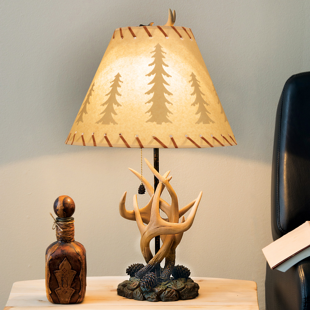 Black Forest Decor Antler & pinecone table lamp