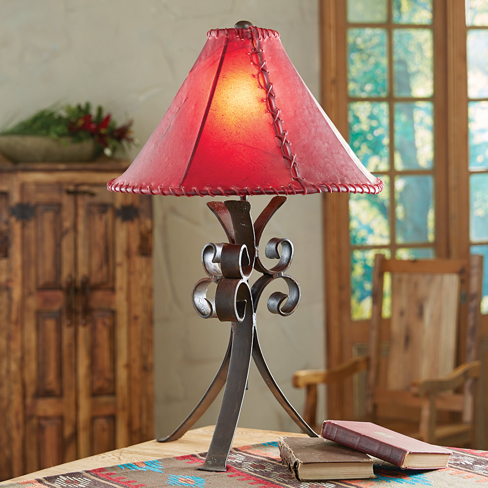 Black Forest Decor Desert flower iron table lamp with raw...