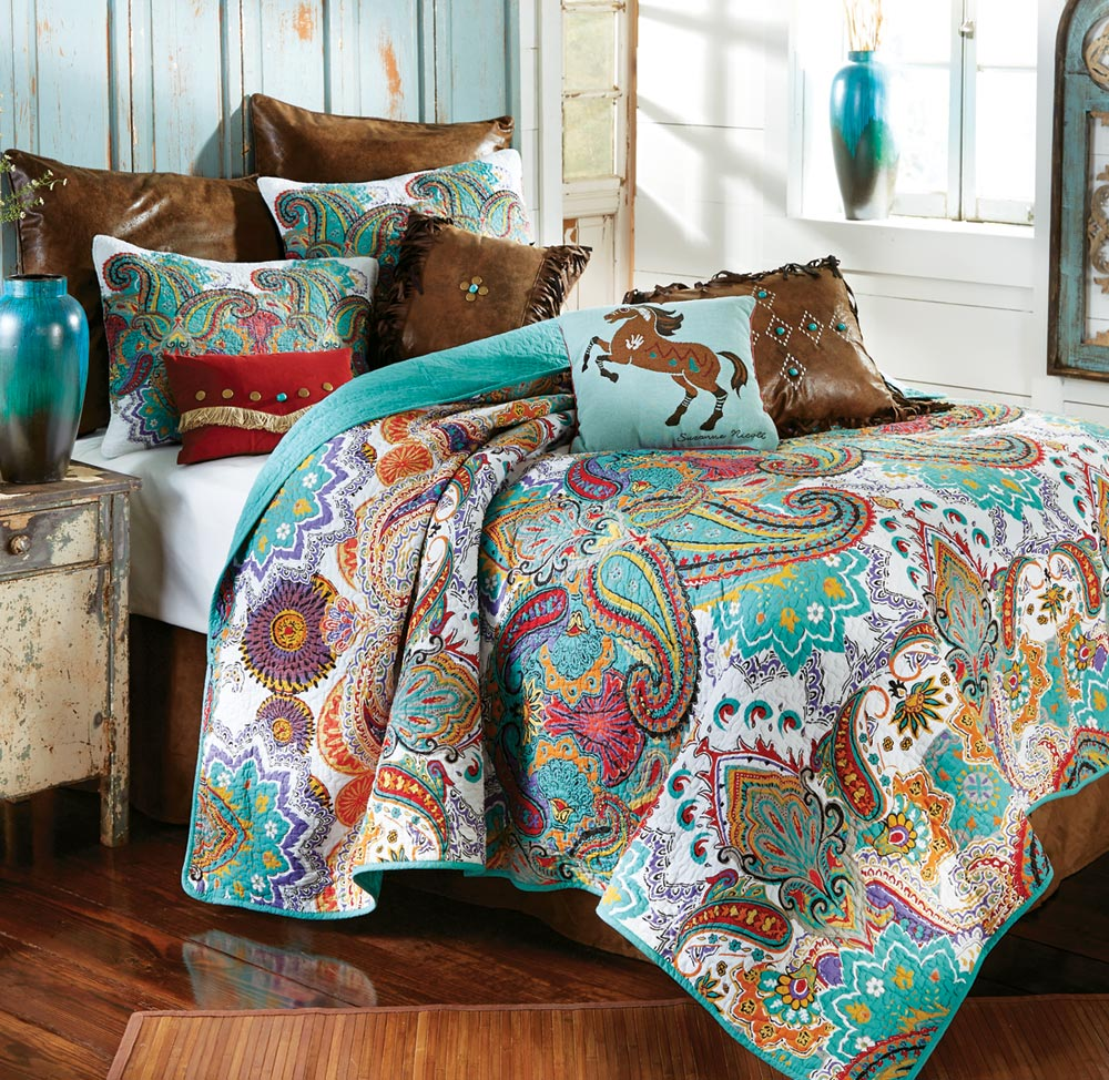 Black Forest Decor Paisley brilliance quilt set - king