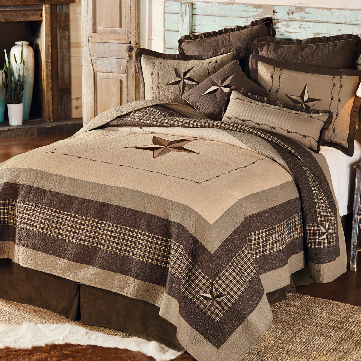 Black Forest Decor Stars and plaid quilt set - queen