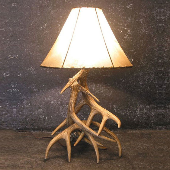 Black Forest Decor Whitetail deer 3 antler table lamp