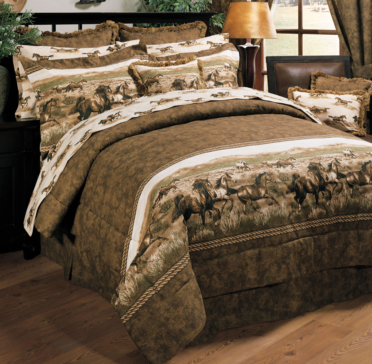 Lone Star Western Decor Wild Horses Comforter Set King